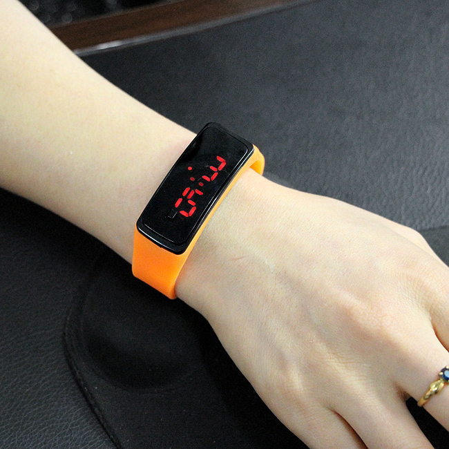 LED 심플 실리콘 손목시계 [제작 대량 도매 로고 인쇄 레이저 마킹 각인 나염 실크 uv 포장 공장 문의는 네이뽕]